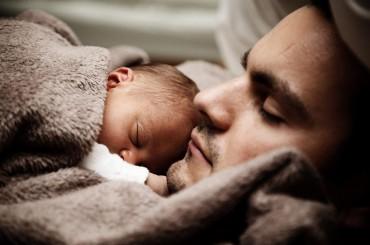 Las Huellas de un Padre sobre su Hijo (Predica del dia del Padre)